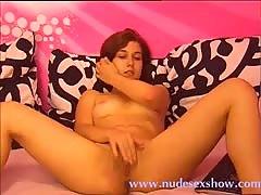 Stickam teen rubs her pussy wild